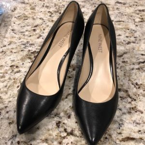 Nine west dress shoes in excellent condition